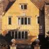 "Sally Griffiths &amp, Simon McBride ""The English House: Architecture &amp, Interiors"" ― Книжный мир"